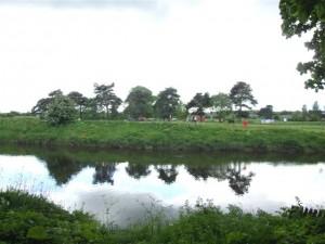 Free children's activities in the UK riverside park