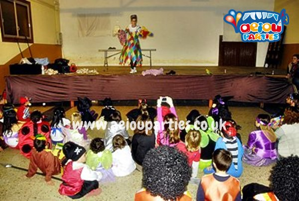 Kids Party Venues London Entertainers Aeiou Kids Club For Children - Childrens birthday party entertainers london