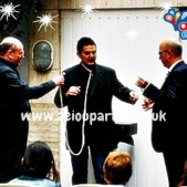 birthday party magician in London magic show