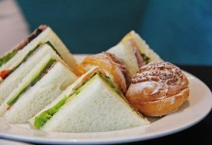 kids party catering-sandwiches