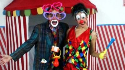 Circus themed party entertainment at home