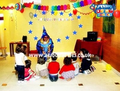 Hire magician for Halloween kids party